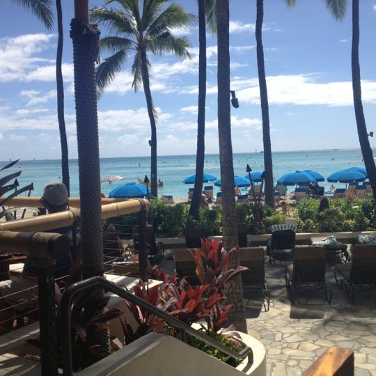Photo taken at Duke's Waikiki by Tara on 10/15/2012