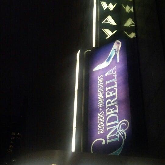 3/7/2013にRachel H.がBroadway Theatreで撮った写真