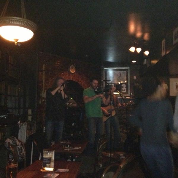 Foto tomada en Hurley's Irish Pub por Amélie el 2/14/2013