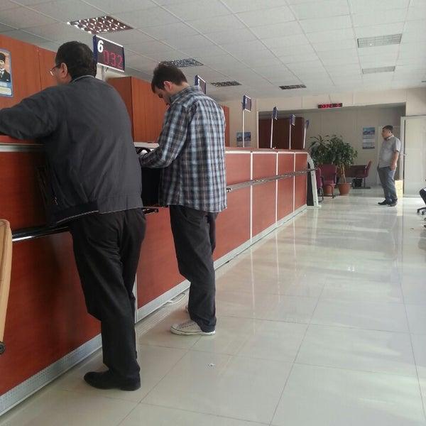 Foto scattata a Boğaziçi Elektrik Genel Müdürlüğü (Bedaş) da Yavuz K. il 5/3/2013