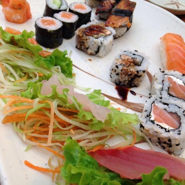 Foto tirada no(a) Sushi Koba por Jonathan S. em 7/11/2014