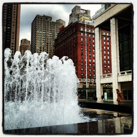12/16/2012にkreativly G.がLincoln Center for the Performing Artsで撮った写真
