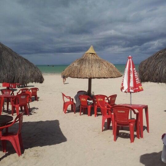 Foto tirada no(a) Praia de Paripueira por Luana N. em 4/10/2013