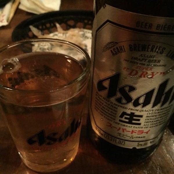 Photo taken at Kinkaku Izakaya 金かく燒鳥居酒屋 by Robert E. on 9/25/2015