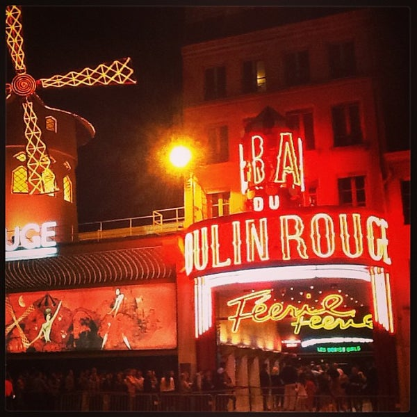 Photo taken at Moulin Rouge by Davide on 8/15/2013
