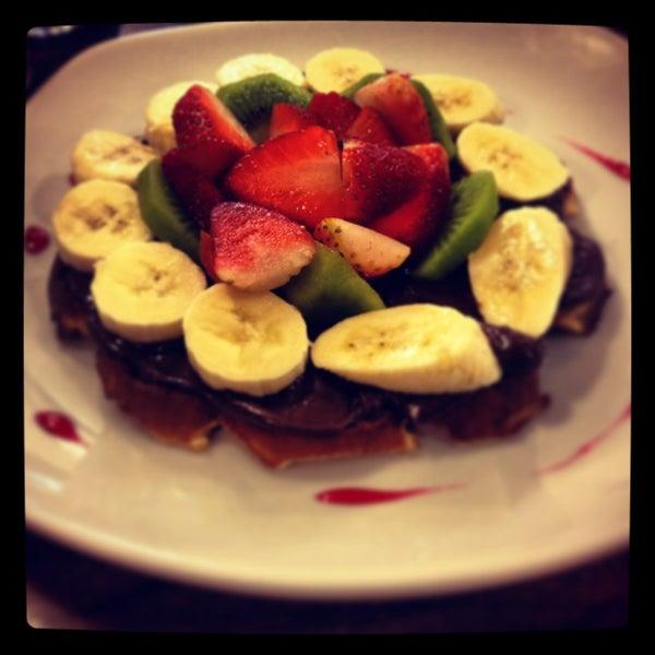 1/8/2013 tarihinde Erdem C.ziyaretçi tarafından Waffle Edem'de çekilen fotoğraf