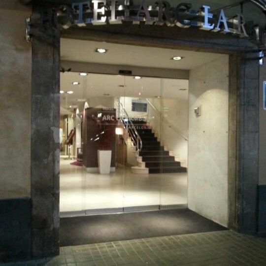 Foto tomada en Hotel Arc La Rambla por Антон А. el 12/28/2012