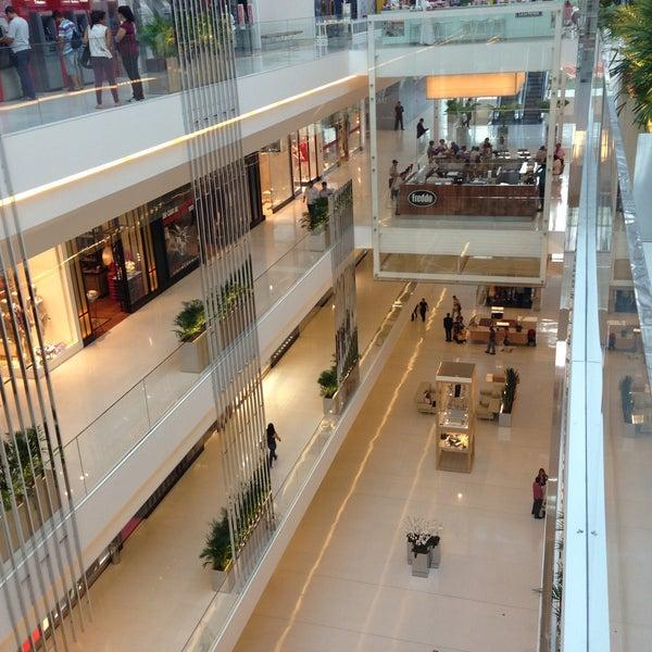 Photo taken at Shopping JK Iguatemi by Almir S. on 4/10/2013