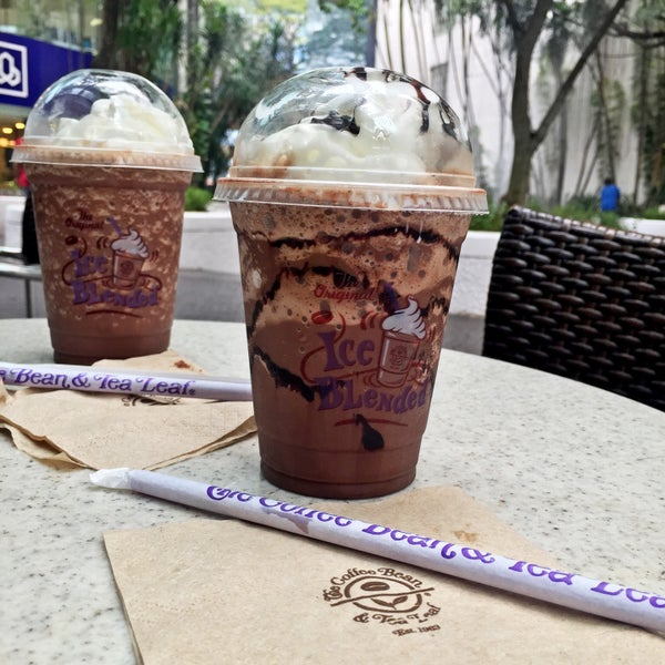 Photo taken at The Coffee Bean by Iuejan B. on 10/2/2015