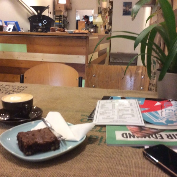 Very nice place, amazing coffee, I had great cappuccino and very tasty brownie.