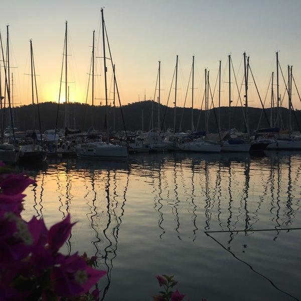 7/1/2016 tarihinde Ulaşziyaretçi tarafından Mod Yacht Lounge'de çekilen fotoğraf