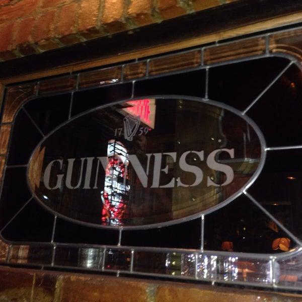 Foto tomada en Hurley's Irish Pub por Jean-Luc D. el 7/12/2013
