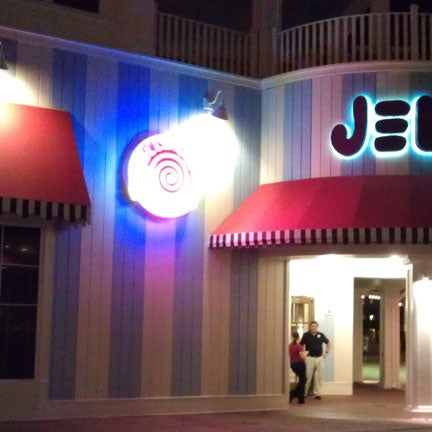 A fun way to cap off your night at Disney. Usually have drink specials each night. Kinda expensive cover for one bar - get there early for your $'s worth. Review: http://tinyurl.com/csdey5k