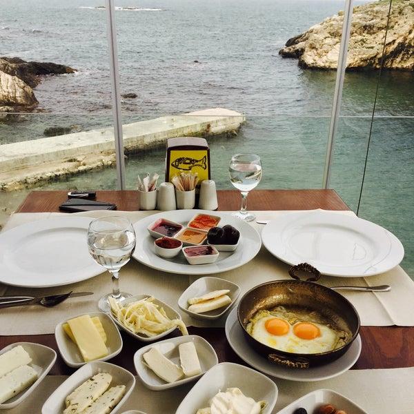 2/15/2015 tarihinde SevbaNziyaretçi tarafından İyot Restaurant'de çekilen fotoğraf
