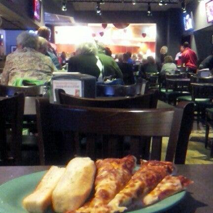 Photo taken at Stonefire Pizza Company by Jody L. on 2/11/2013