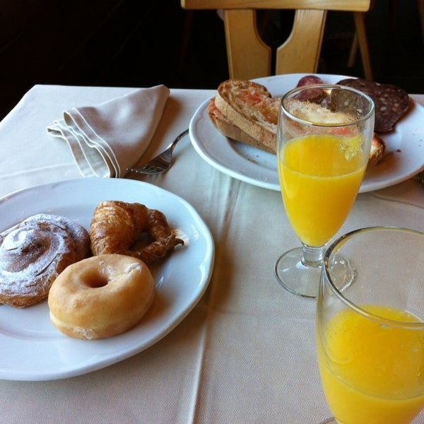 Photo taken at Hotel Grevol Spa & Wellness Llanars by Marta on 12/28/2013