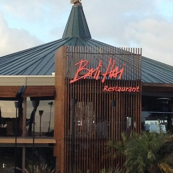 Photo taken at Bali Hai Restaurant by Noel H. on 2/11/2013