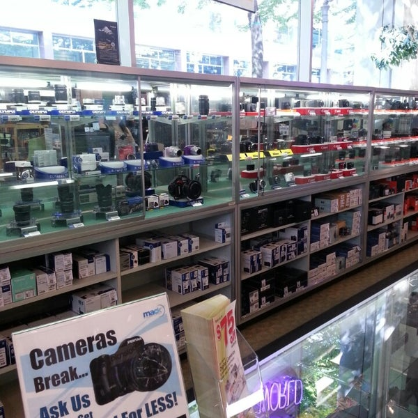 Camera world electronics store in downtown portland - Camera world portland ...