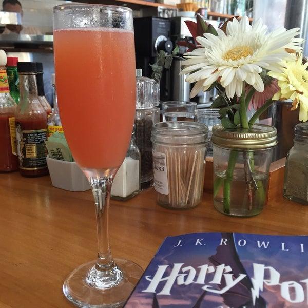 รูปภาพถ่ายที่ Harbor Breakfast โดย Kate เมื่อ 7/31/2015
