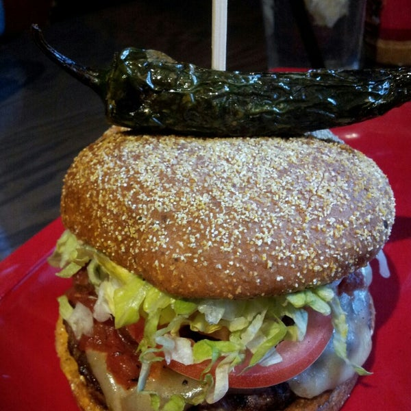 Photo taken at Red Robin Gourmet Burgers by Sonya M. on 3/22/2013