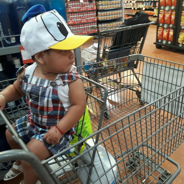 Photo taken at Walmart by Mayte A. on 11/1/2016