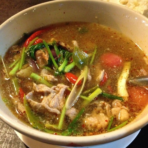 Photo taken at ร้านอาหารเยาวราช by 🍒Cherryann🍒 on 3/15/2013
