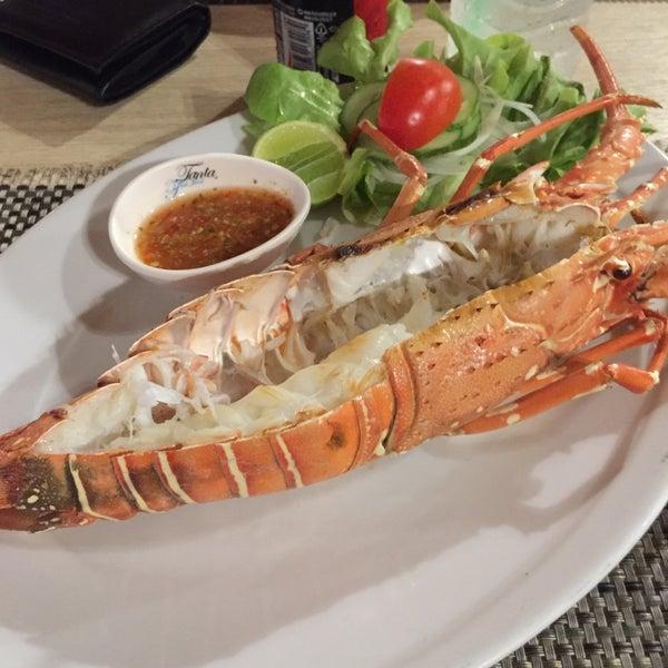 Снимок сделан в Tanta's Thai Restaurant пользователем Zena 9/8/2017