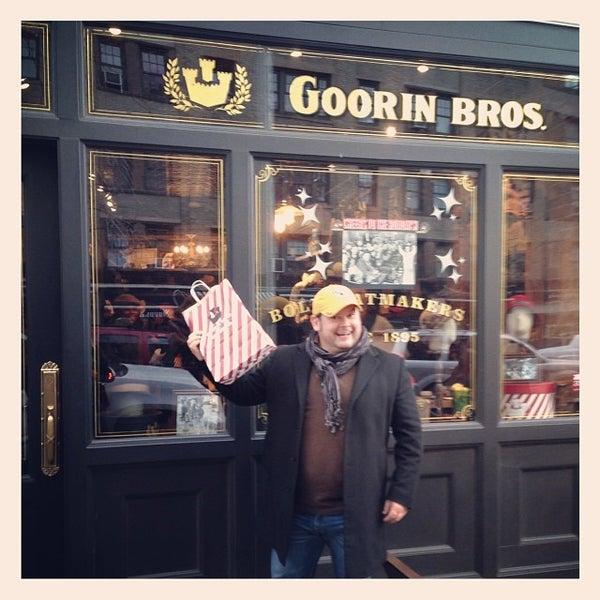 Снимок сделан в Goorin Bros. Hat Shop - West Village пользователем B-Duff 12/10/2013