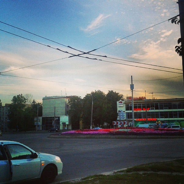 Photo taken at Кінотеатр ім. О. Довженка by Александр Н. on 8/26/2013
