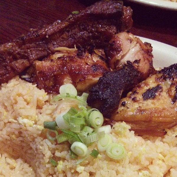 รูปภาพถ่ายที่ Thai Original BBQ & Restaurant โดย Frank L. เมื่อ 6/27/2013
