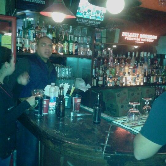 Photo taken at Bull McCabe by Jose Jairo Z. on 10/4/2012