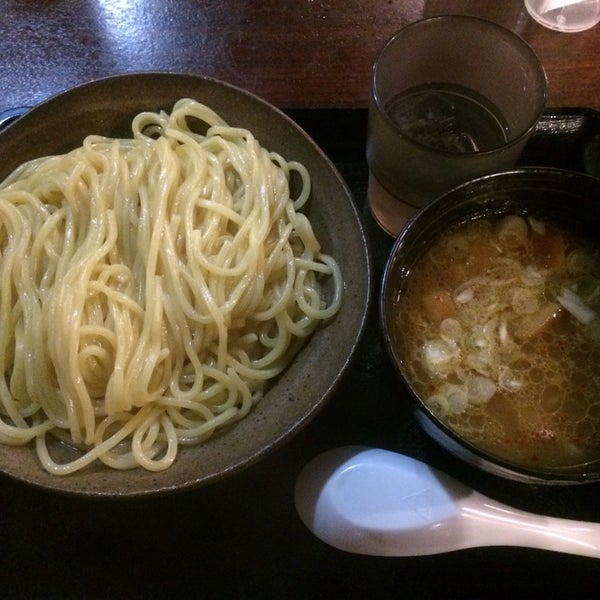 Photo taken at 三ツ矢堂製麺 下北沢店 by tats on 11/16/2013