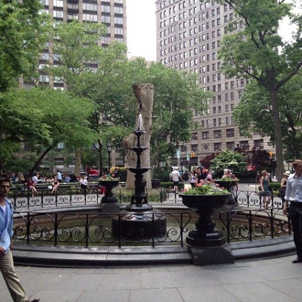 Foto diambil di Madison Square Park oleh Elizabeth S. pada 5/30/2013