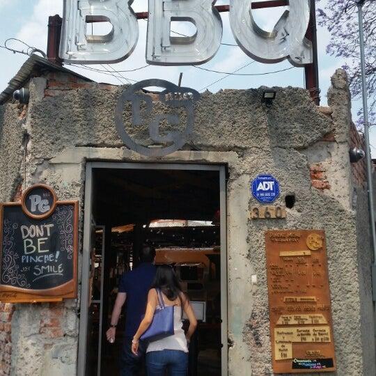 Foto tomada en Pinche Gringo BBQ Patio por Alejo N. el 3/22/2015