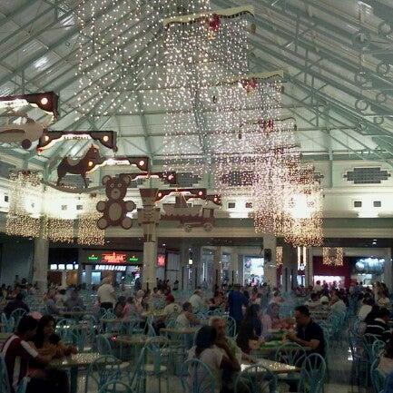 Foto tirada no(a) Teresina Shopping por Fabio A. em 12/12/2012