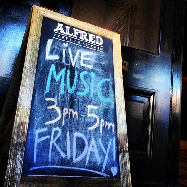 Photo prise au Alfred Coffee & Kitchen par Joshua Z. le1/31/2013