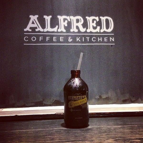 Photo prise au Alfred Coffee & Kitchen par Joshua Z. le1/25/2013