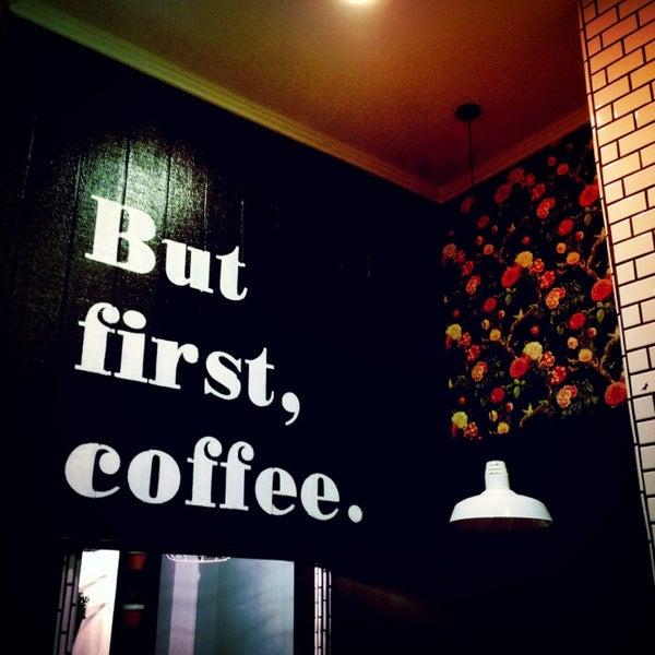 Photo prise au Alfred Coffee & Kitchen par Joshua Z. le1/13/2013