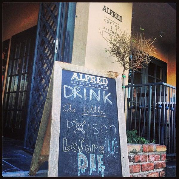Photo prise au Alfred Coffee & Kitchen par Joshua Z. le2/11/2013