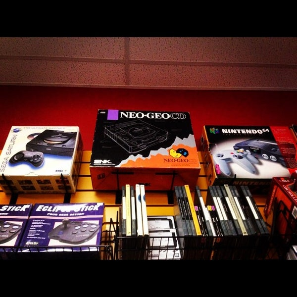 Photo taken at Game Over Videogames by AzyxA on 6/8/2014