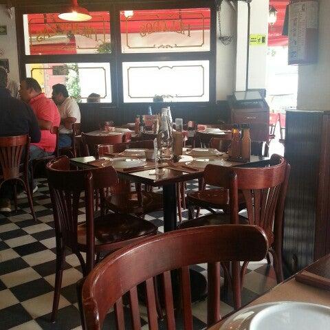 Foto tomada en Central de Pizzas por Jorge M. el 8/1/2013