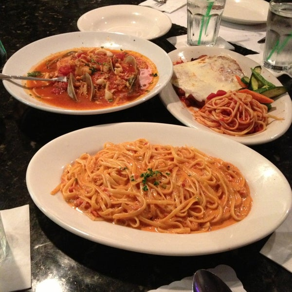 Mama d 39 s italy kitchen west newport beach 120 tips for Mammas italian kitchen