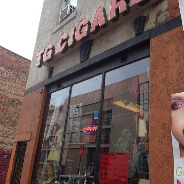 รูปภาพถ่ายที่ TG Cigars โดย Melvin Bossman R. เมื่อ 1/17/2014