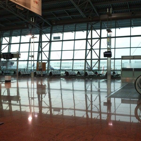 Снимок сделан в Брюссельский аэропорт (BRU) пользователем Koen D. 6/9/2013
