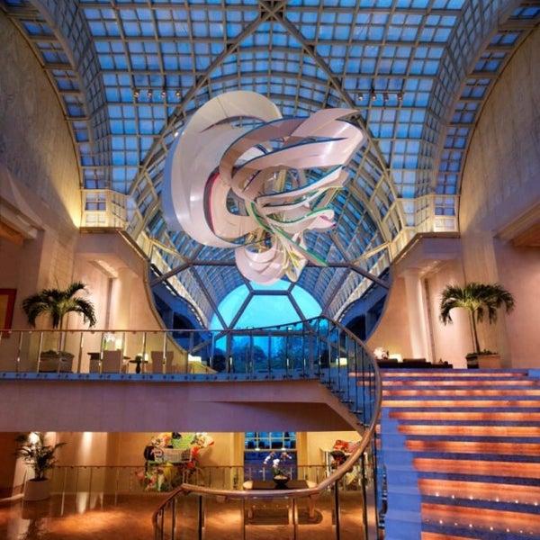 Photo taken at The Ritz-Carlton Millenia Singapore by MsBonVivantSG on 2/12/2013