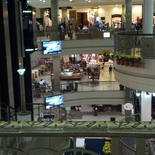 Foto tirada no(a) Shopping Del Paseo por Luciano R. em 7/23/2013