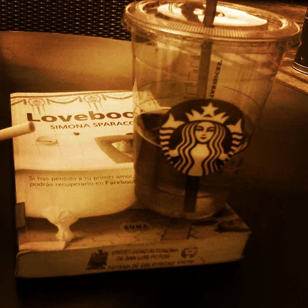 Photo taken at Starbucks by Omar A. on 5/16/2013