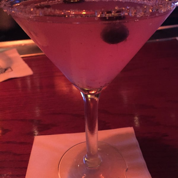Photo taken at Fleming's Prime Steakhouse & Wine Bar by Rena S. on 5/8/2015