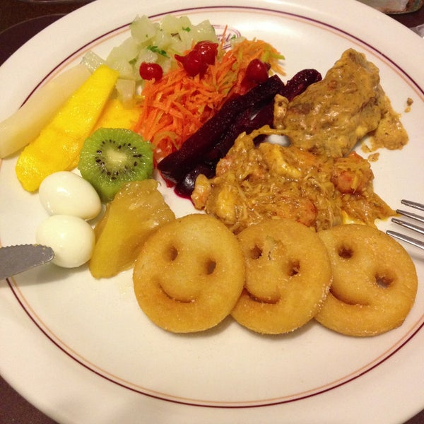 Photo taken at Restaurante Gourmet by Denise on 4/20/2013