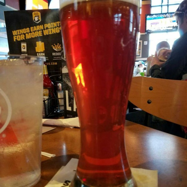 Photo taken at Buffalo Wild Wings by Heather H. on 3/11/2017